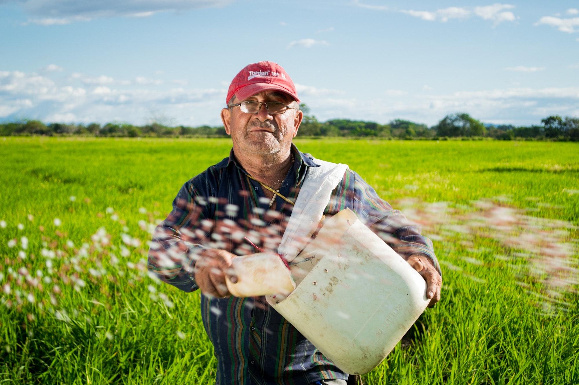 countryside-farm-farmer-50715.jpg